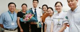川航3U8633航班副驾驶康复出院