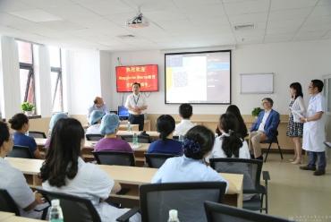 世界知名重癥醫學專家來市中西醫結合醫院ICU講學交流訪問