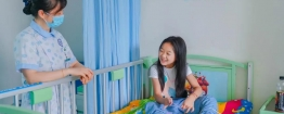 迈出人生第一步的残疾姐姐出院:等再上学,我就能跟同学们跳舞啦!