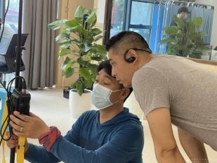 成都市中西医结合医院接受央视新闻频道《面对面》栏目专访
